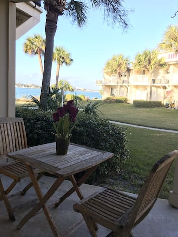 Condo With  200 ft of Waterfront BOATING PROPERTY