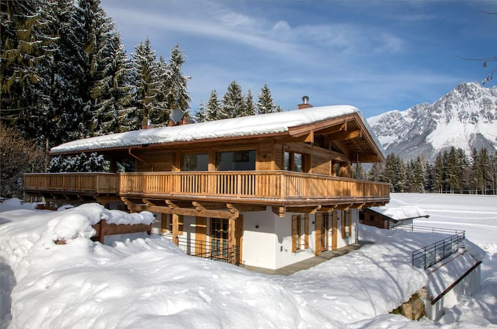 Alpen Chalet mit Sauna und traumhaftem Bergblick
