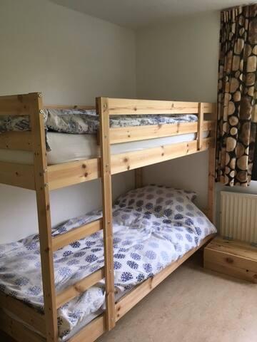 nice room with bunkbed near Amsterdam Airport - Aalsmeer - House