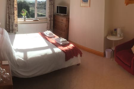 Moor Edge Dog Friendly B&B Room 2 - Whitby