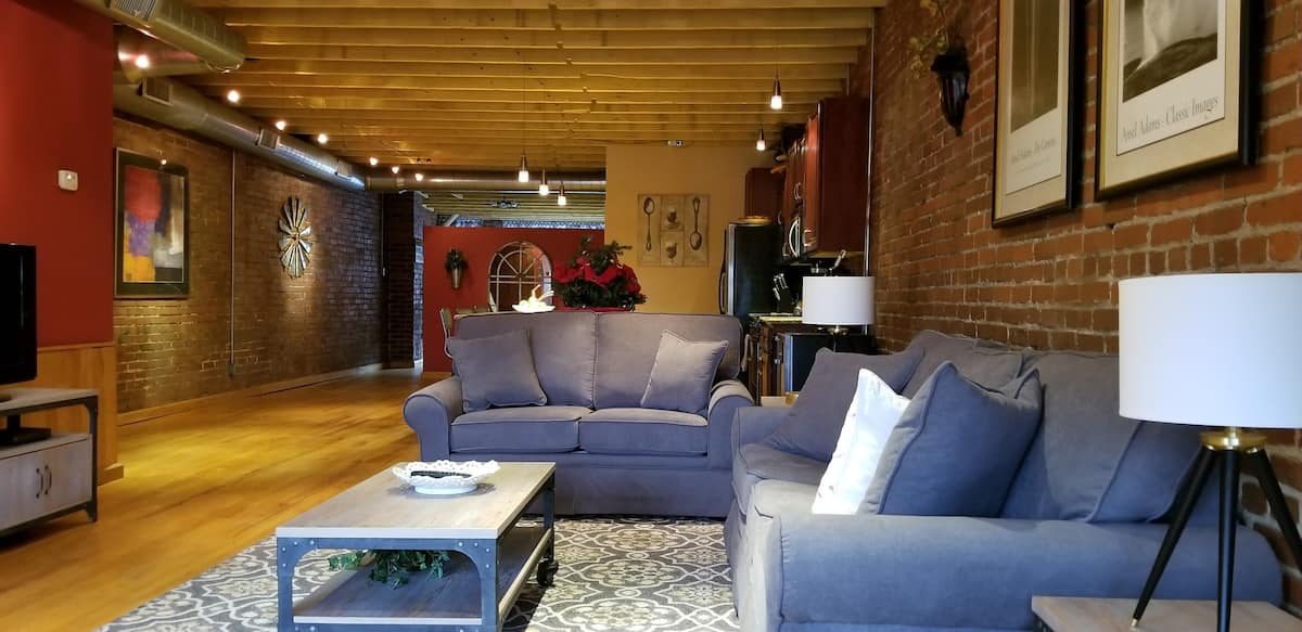 Strip District Airbnb loft