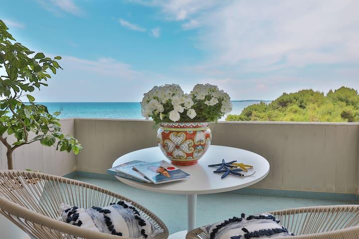 Alchimia Beachfront Suite★Stunning Seaviews★Puglia
