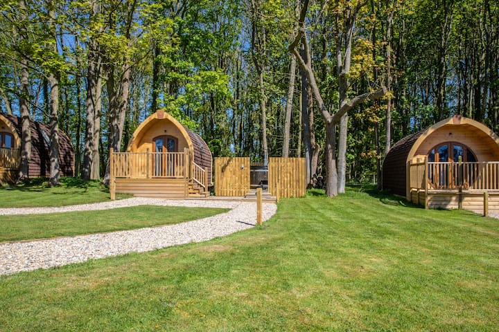 Luxury fully furnished glamping pod with hot tub