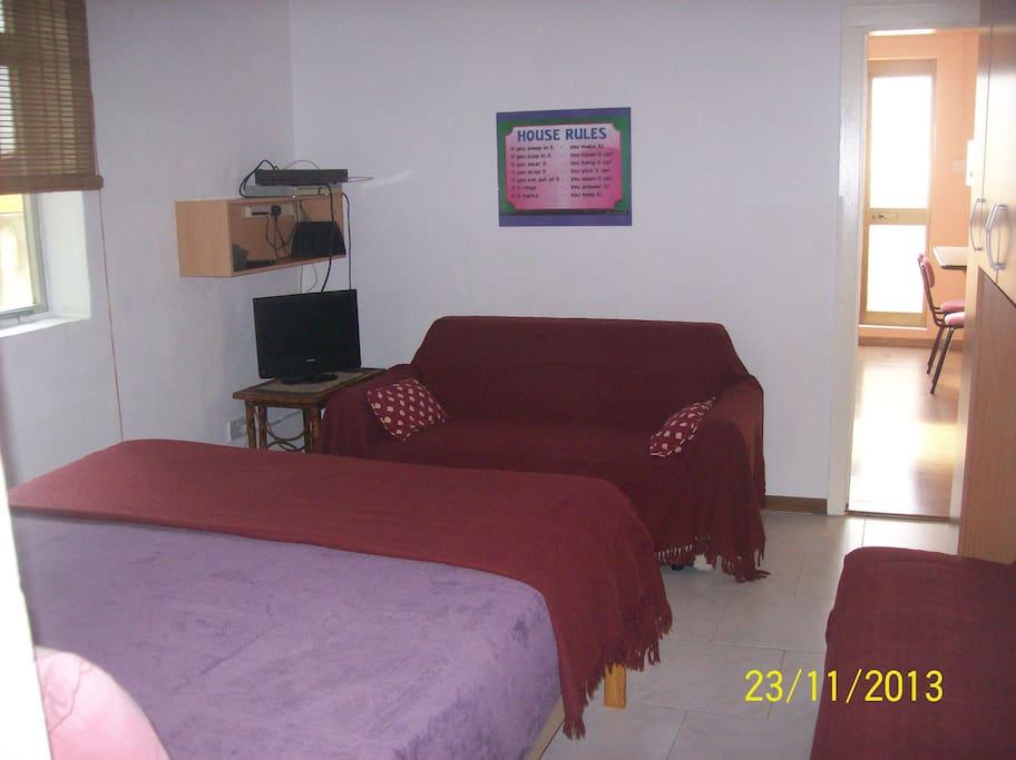 1st floor one b r studio maisonette h user zur miete in g ira malta malta. Black Bedroom Furniture Sets. Home Design Ideas