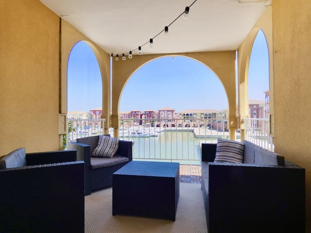 BEAUTIFUL APARTMENT WITH TERRACE - PORT VIEW - LATTES - 4 PEOPLE