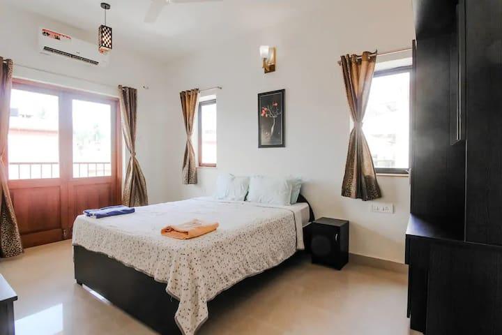 Stunning 2 BHK Apartment with Pool in Baga Arpora!
