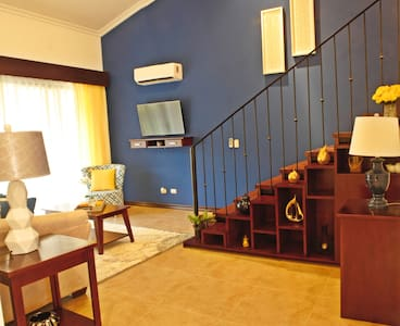 Twin villas, rent both for 12 guests or one for 6 - Playa Ocotal - Villa