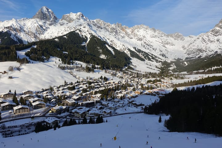 Sonniges Appart. mit Schwimmbad,Skifahren,Wandern