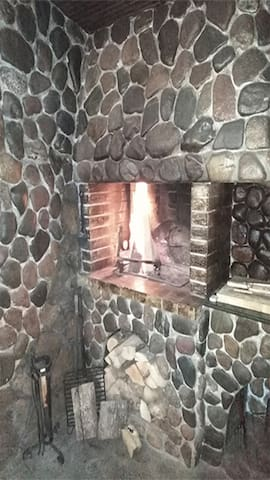Hunting Tavern - Fireplace/BBQ, TV, air conditioning