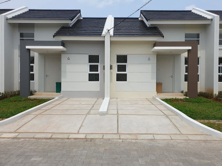 Rumah Summarecon Karawang Emerald 2BR Brand New