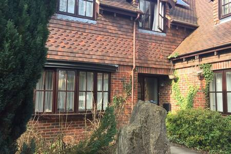 Large Double near Winchester - Free Wifi & Parking - Kings Worthy - Haus