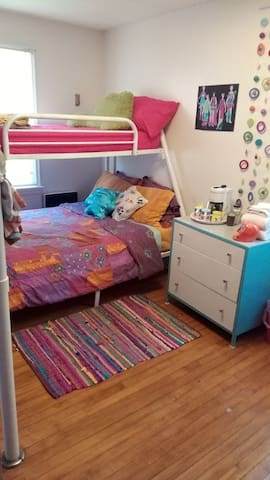 Affordable and Family Friendly rooms in Hayward