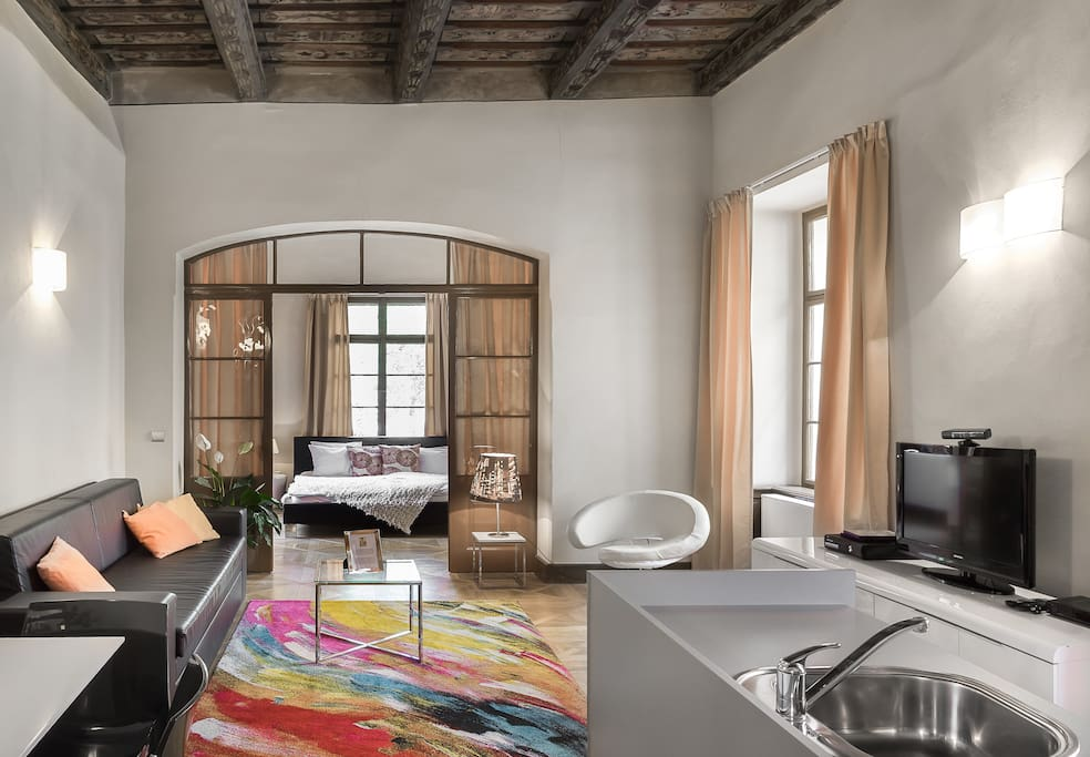 Royal palace 3 luxury 2 br old town apartments for rent for Royal boutique residence prague tripadvisor