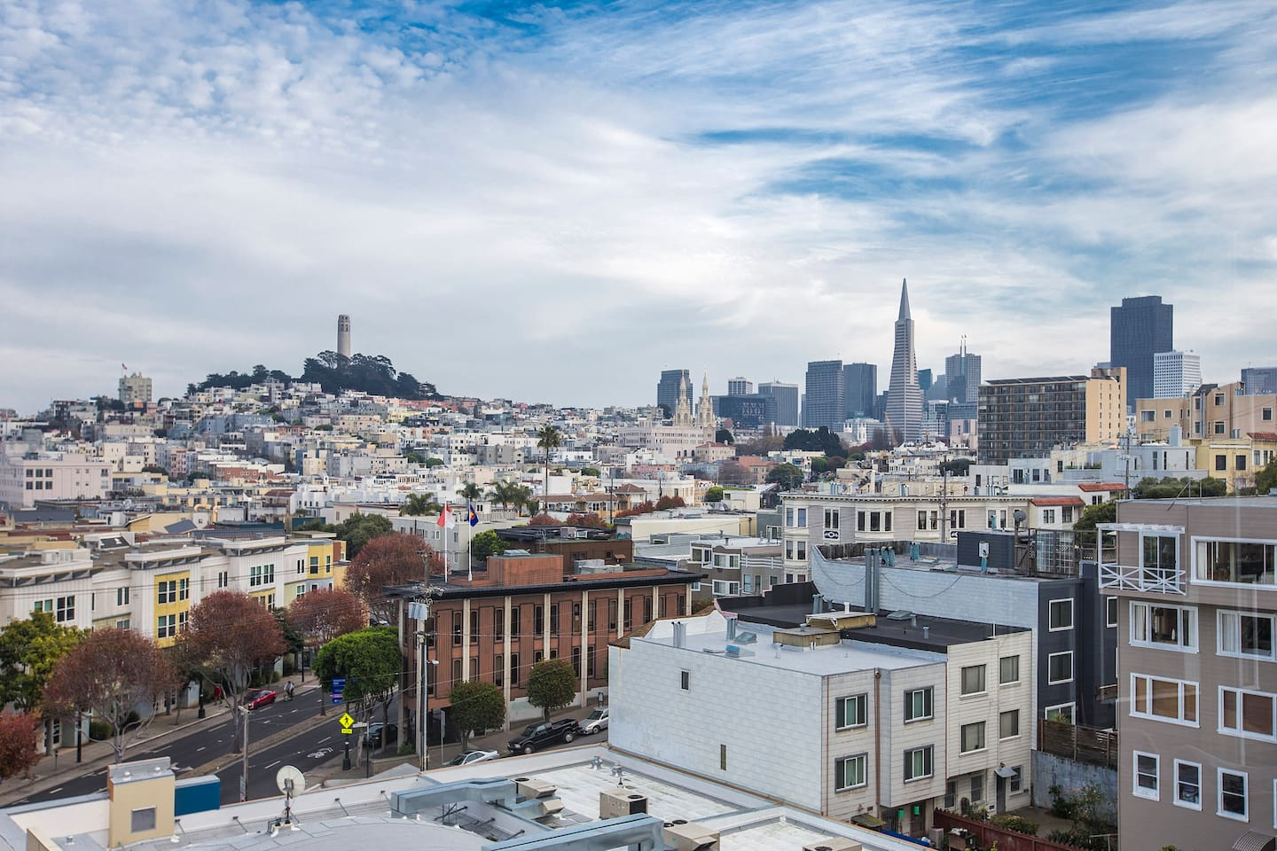 Magnificent views of Nob Hill and much more!