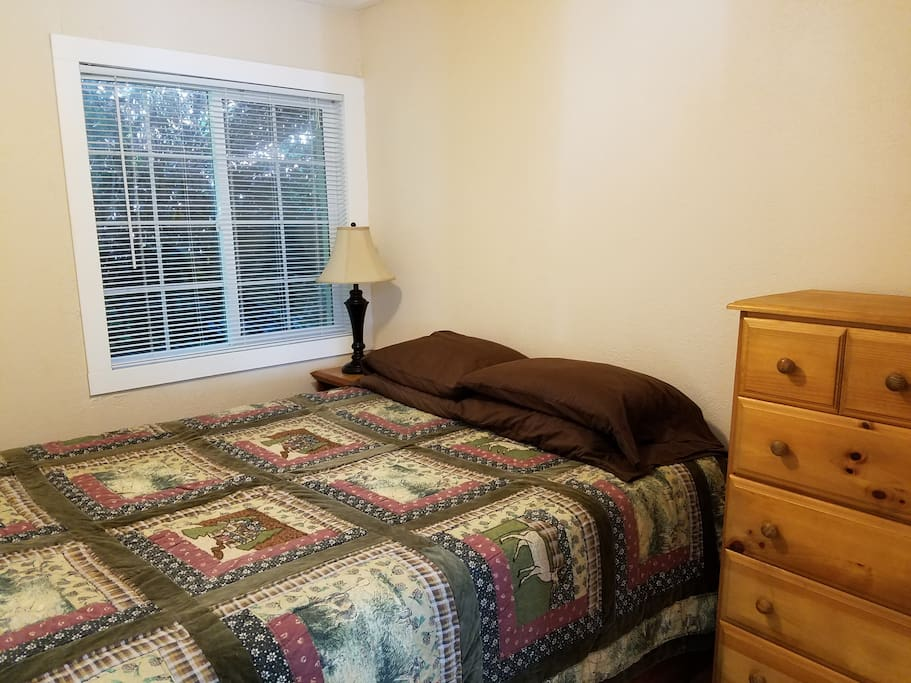 Private bedroom with queen size memory foam bed.