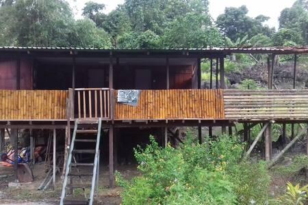 Semadang Bamboo House Villagestay