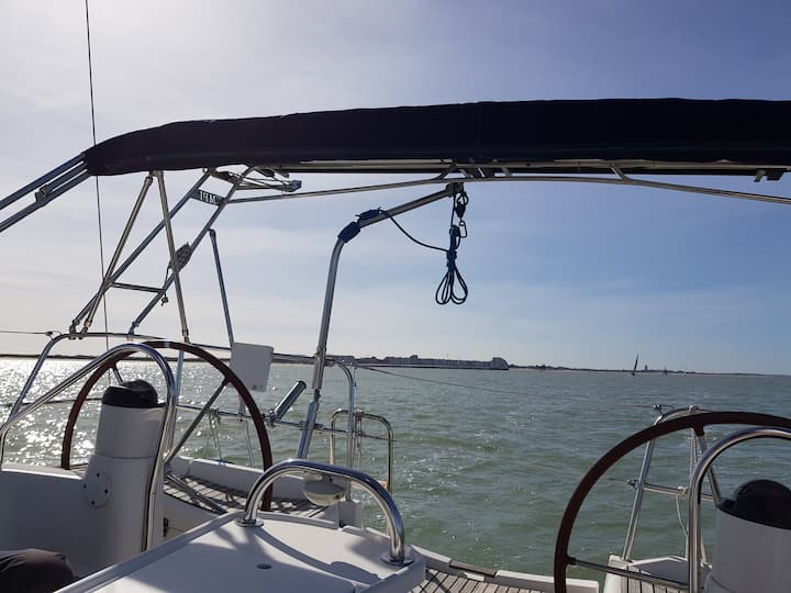 Overnight stay on a sailing yacht at the Northsea