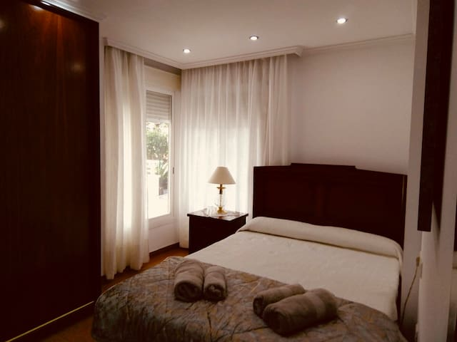 Nice Double bedroom in lovely house with breakfast