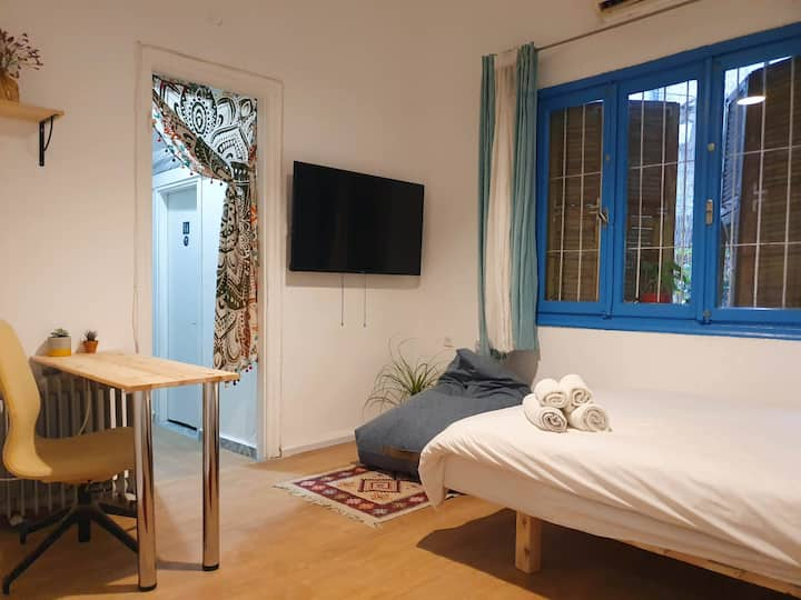 Studio in the Heart of Florentine