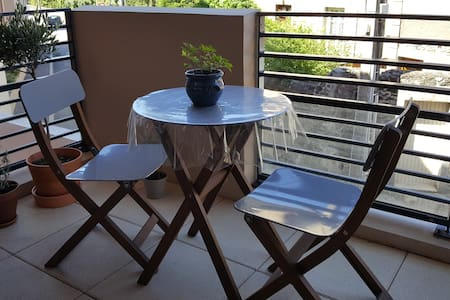 Chambre privée au calme dans appartement récent - Huoneisto