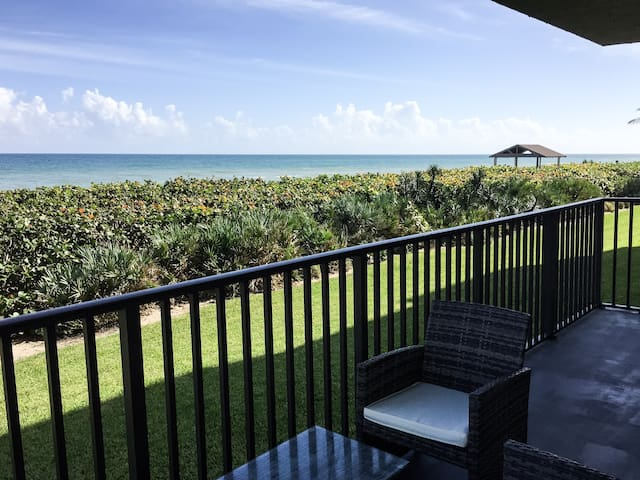 Exquisite condo on Atlantic Ocean - Jensen Beach - Apartamento