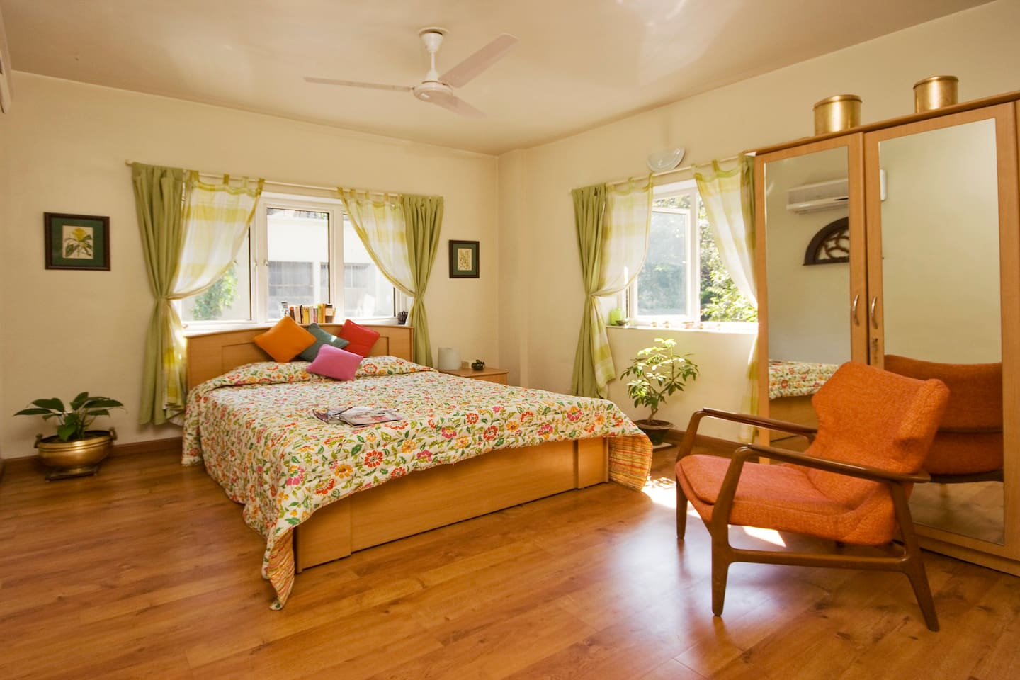 Sunny double bedroom, one of 4 rooms in our BnB homestay.
