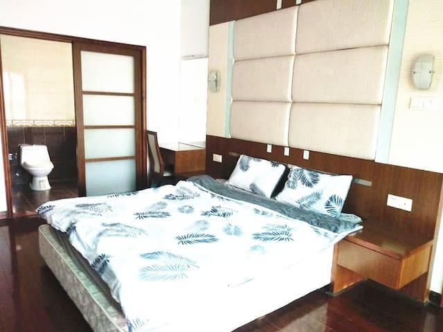 A single room+individual washroom & Baiyun Airport
