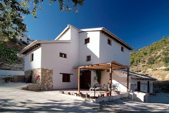 La Casa del Agua. Granada - Montefrío - Huis