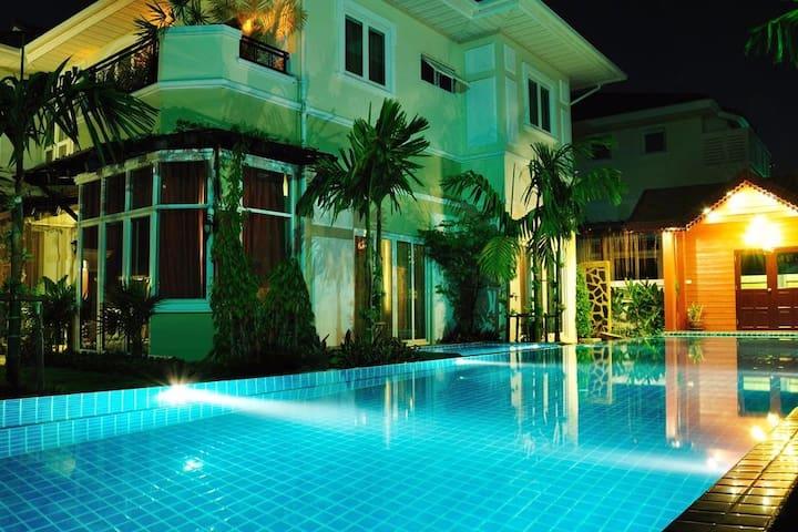 Sophia De Villa Bangkok - Amphoe Mueang Nonthaburi - Villa