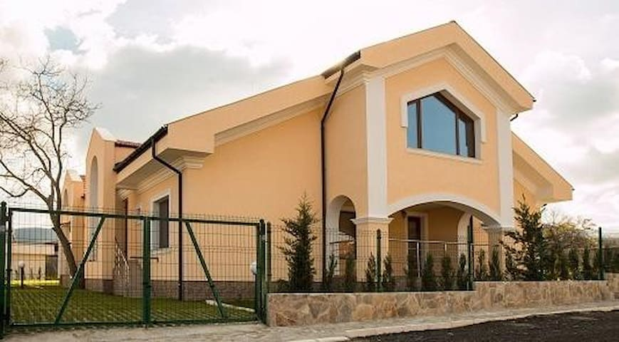 Uncle Tom`s House / Chicho Tomovata Koliba - Velika - Apartament