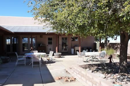 Rancho Milagro B&B - Elgin