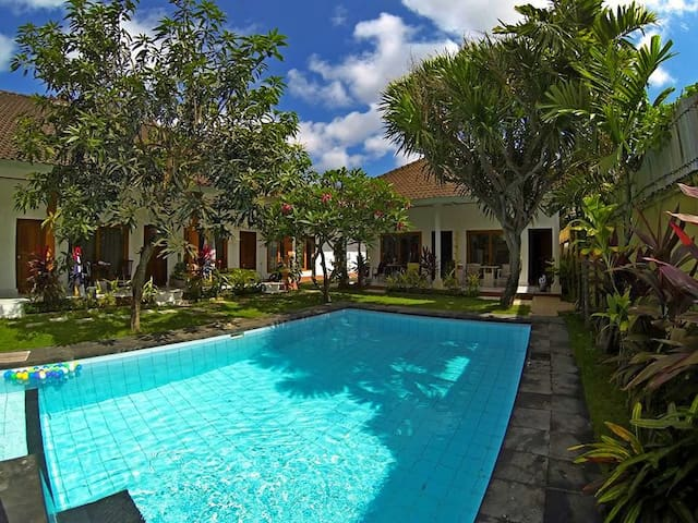 Rooms with AC/POOL JIMBARAN BEACH3 - South Kuta - Bed & Breakfast