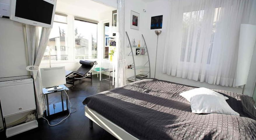 Spacious Suite in modern B&B - Montreux - Bed & Breakfast