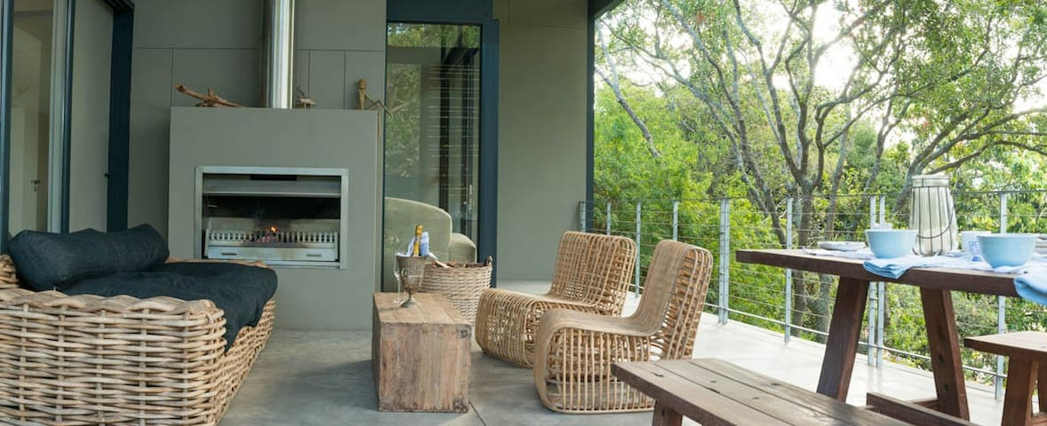 Lifestyle patio with fireplace