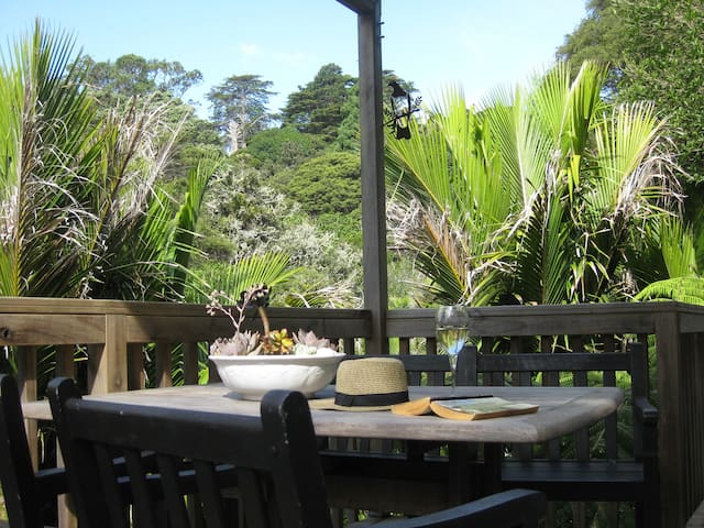 Tree top hide away - Auckland - Casa