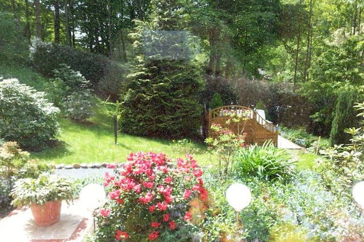 Gemütliche Ferienwohnung mit privatem Garten - Bad Schandau - Lejlighed