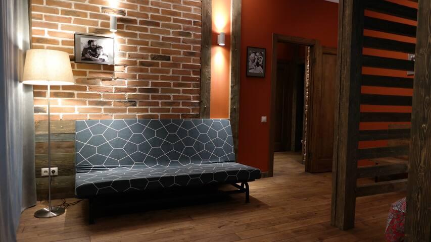 Апартаменты в центре города, Нарымский сквер №7