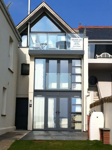 Stylishly Finished 3-Storey House - Wadebridge - Rumah