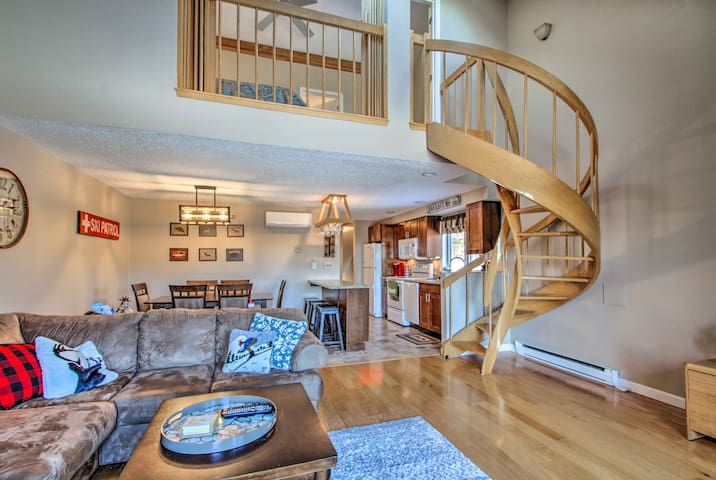 Ski Condo w/ Pool - Mins to Story Land & Attitash!
