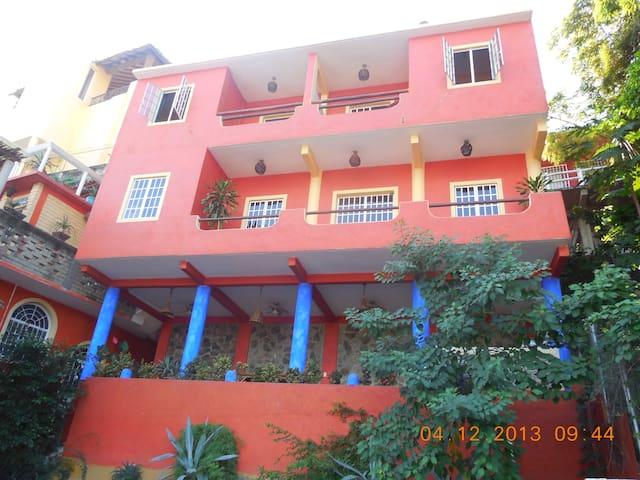 Bugalow Soles y Lunas - Casa Azul