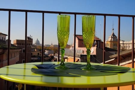 Romantic Nest over the roman roofs - Rome - Apartment