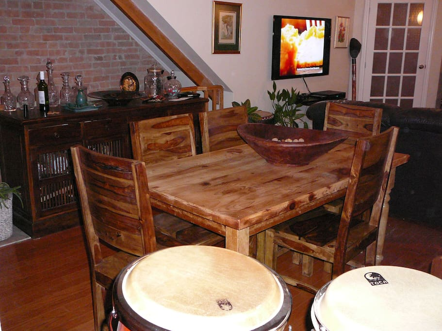 Lots of dinning room space...