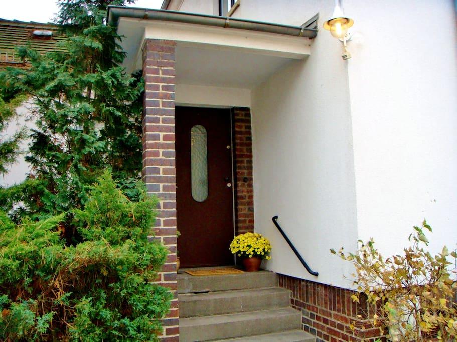 Der Eingang zum Windfang vor dem Apartment