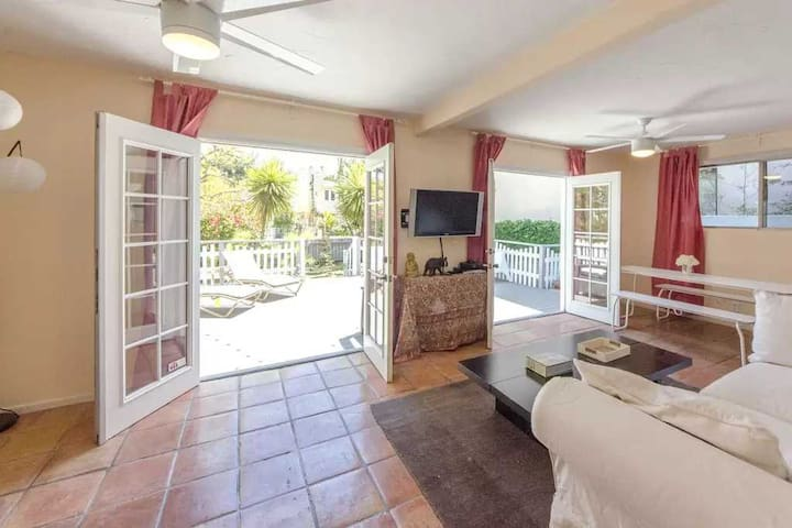 Venice Beach Canals home 2 bedroom quiet free park - Los Angeles - House