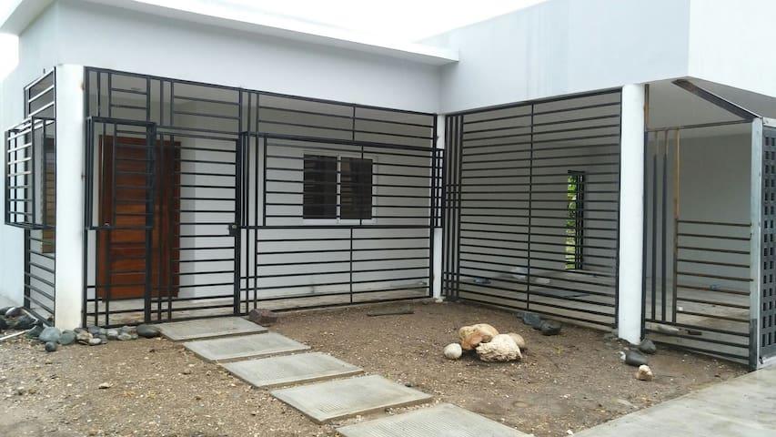 Casa estilo moderno(NUEVA) - San Cristobal