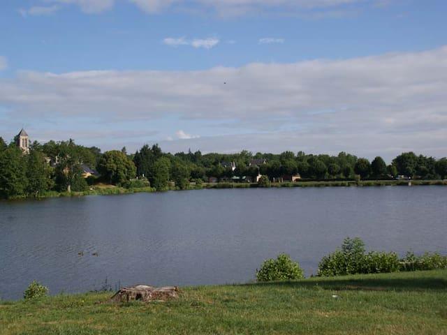 Gite familial au bord de l'étang des St Pères