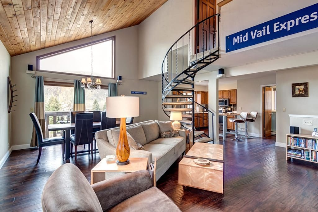Natural light, high ceilings and elegant design in the spacious living room.