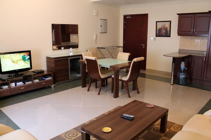 Shared 01 BHK Fully Furnished Aprt