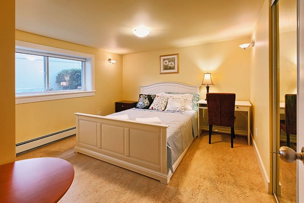 Vancouver 2 Bedroom Suite Guest Suites For Rent In Vancouver British Columbia Canada