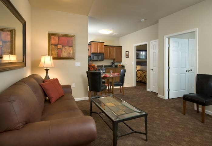 Mid-Luxury Extended Stay-2 Bedroom